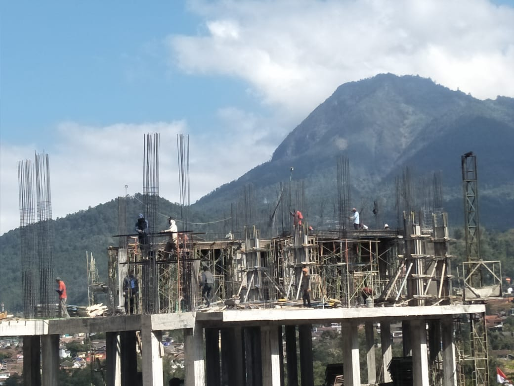 LPMI AL IZZAH  Batu Malang jawa Timur
